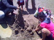 main pasir di pantai tambak bulusan demak