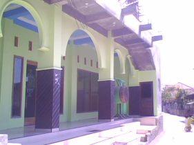 masjid baitulmutaqqien tambak bulusan