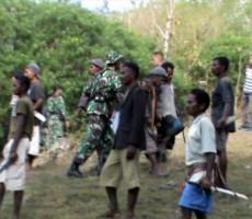 Warga-RI-dan-Timor-Leste-Bentrok-Situasi-Di-Perbatasan-Memanas-230x200